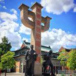 Chinatown Monument