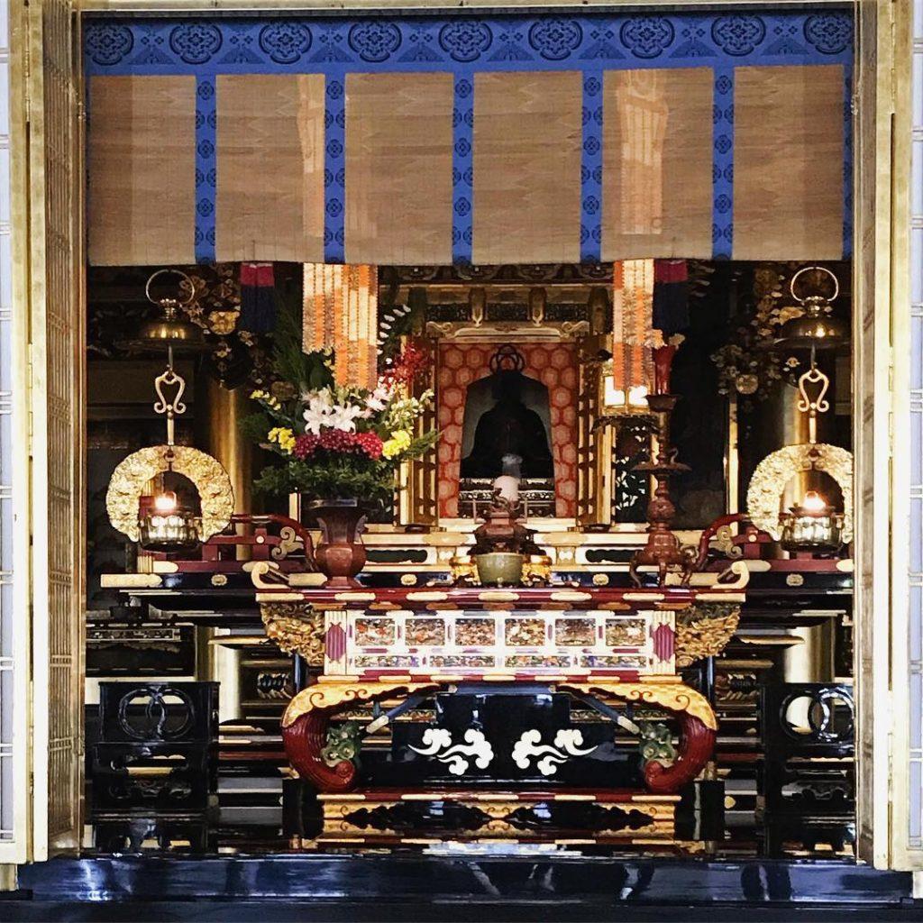 Nishi Hongan-ji - Altar