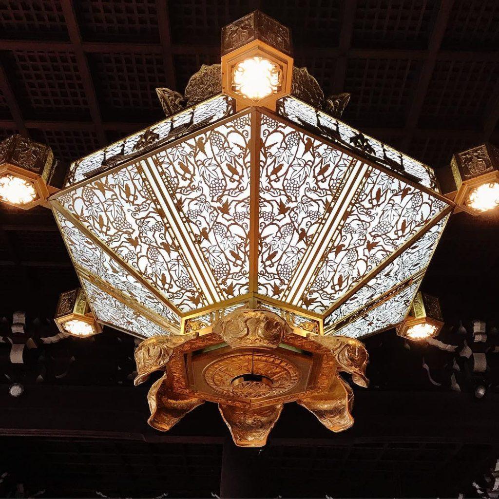 Nishi Hongan-ji - Chandelier