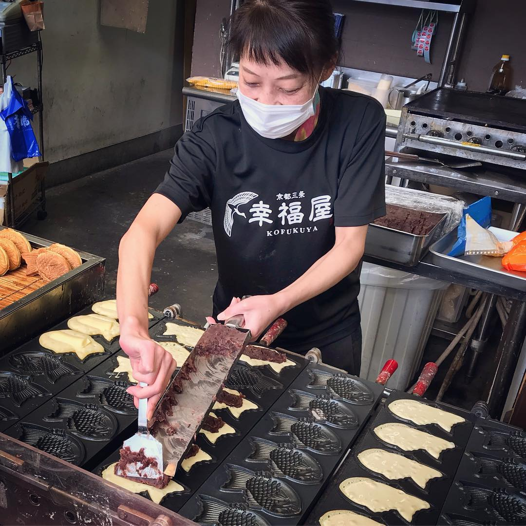 Sanjo Shopping Arcade - Taiyaki in Progress